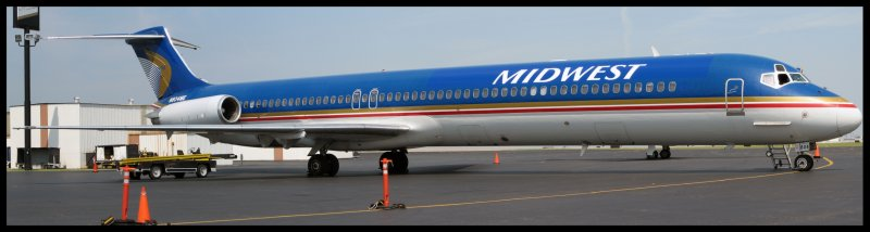 Midwest Airlines MD-81 Super 80 (N804ME) Panoramic (Nashville Predators Charter)