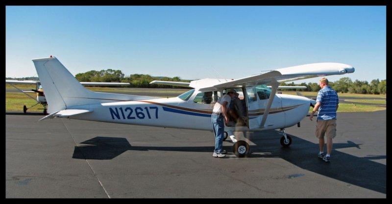 Cessna 172M (N12617)