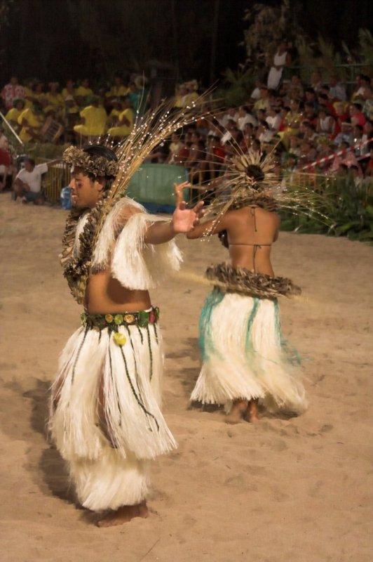 0929 Dancing Tahitians