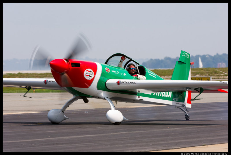 Mike Goulian and the Extra 300SHP