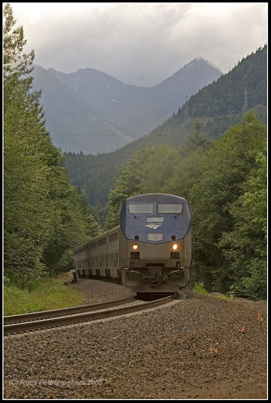 Amtrak # Eight @ East Sky