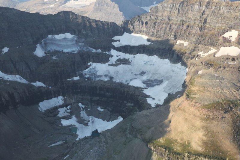 Thunderbird Glacier <br> (GlacierNP090109-_160.jpg)