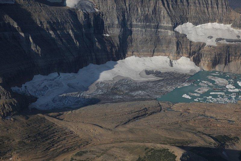 Grinnell Glacier  <br> & Upper Grinnell Lake <br> (GlacierNP090109-_400.jpg)