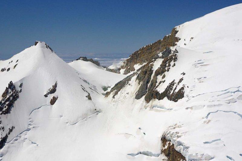 East Breach:  Sherman Crater <br> (MtBaker061408-_073.jpg)