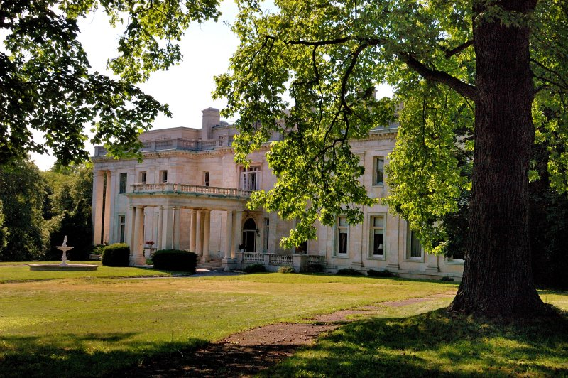 Winfield Hall, Glen Cove