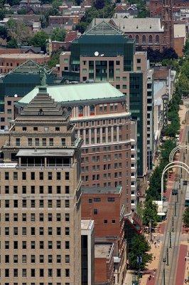 Main_St_hsbc_roof_01.jpg