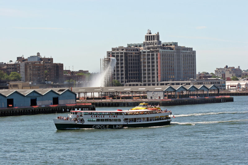 Circle Line, Brooklyn  & Waterfall Show
