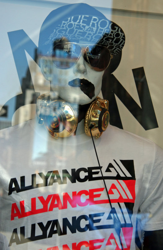 ALLYANCE - Boutique Window with Reflection
