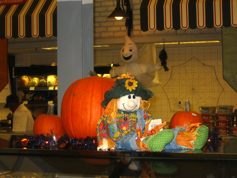 Supermarket Harvest & Halloween Display