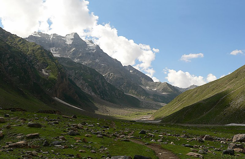 Looking up at Malika Parbat - Panorama 9162.jpg