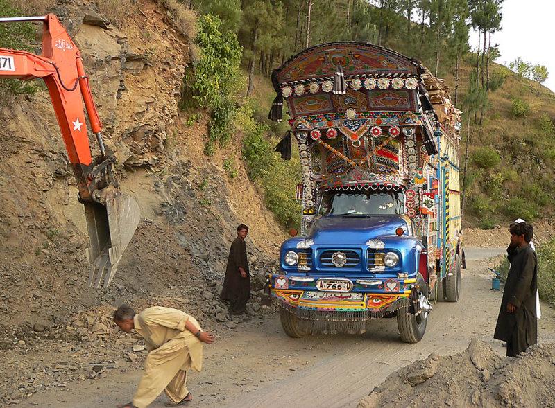 A Typical Pakistani Truck - P11606452.jpg