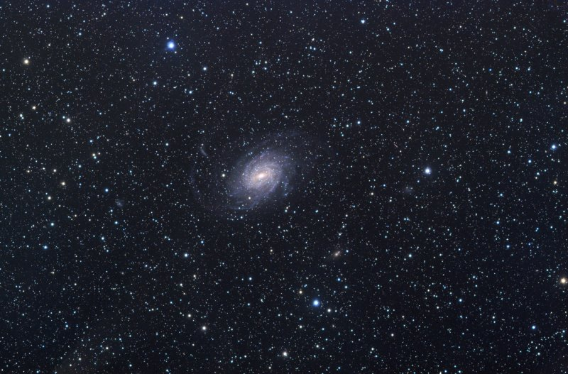 A fine Milky Way type spiral in Pavo NGC 6744 (small size)