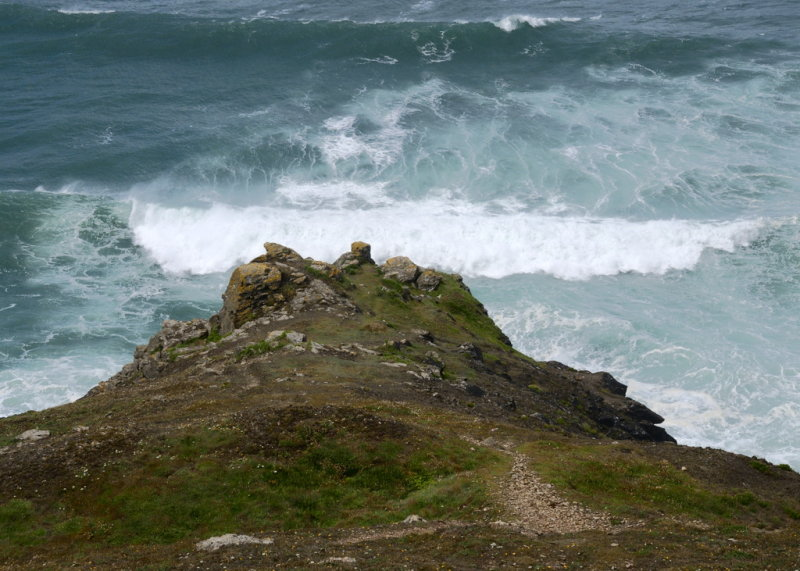 Tubbys head - good place for lunch & wave observation