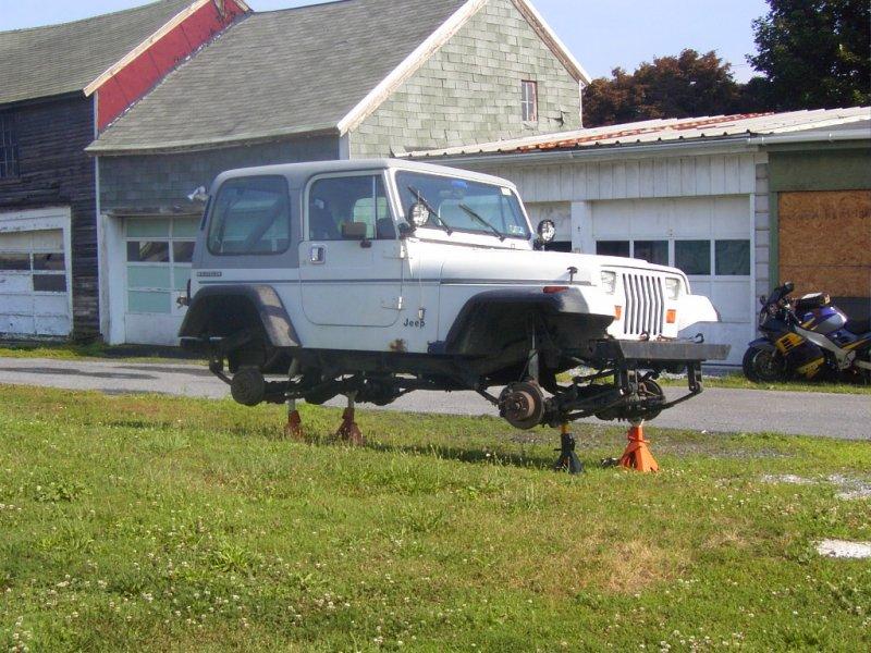 needs 4 new wheels to go 4 wheelin