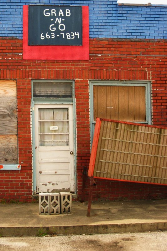 abandoned shop, Clay City