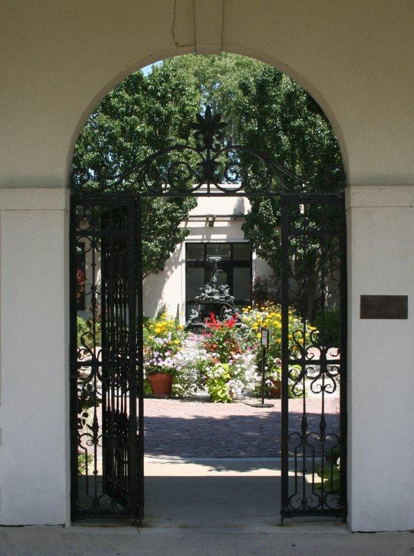 Entrance to War Memorial Garden