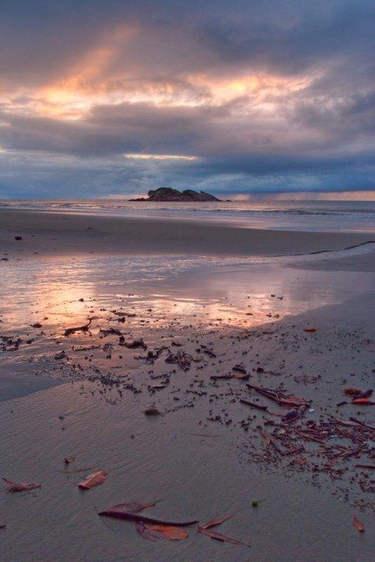 Sunrise with island (R0013719)