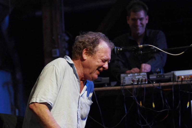 Phil Minton & Dieb 13