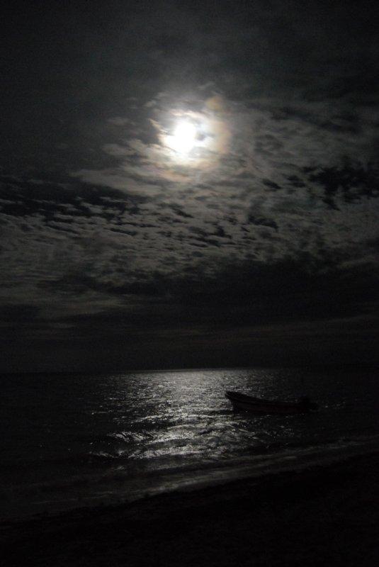 Punta Allen moonrise_1.JPG