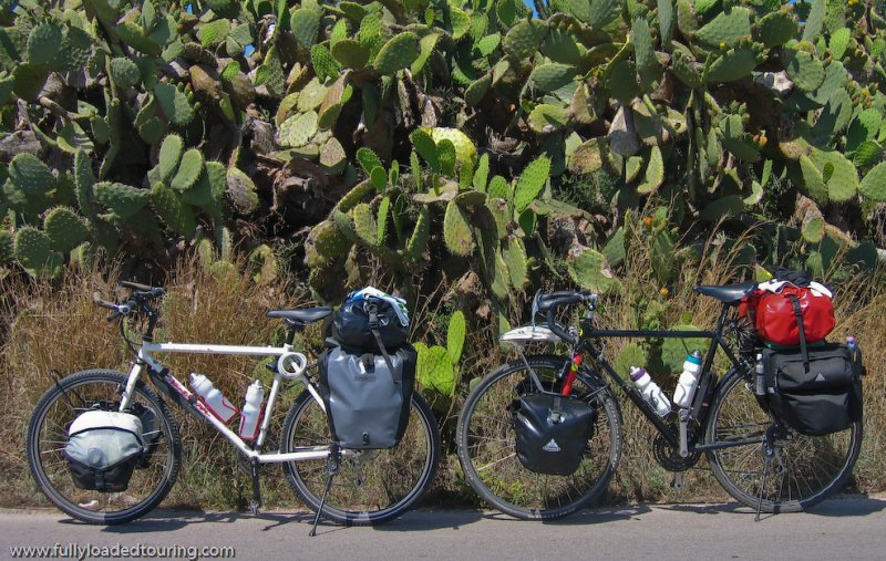 283    Mira & Holger - Touring Sicily - Specialized Stumpjumper Comp & VSF Bremer touring bike