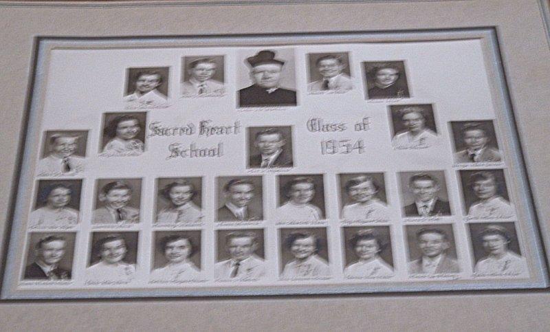 Sacred Heart Grades    5-6  l951-1952