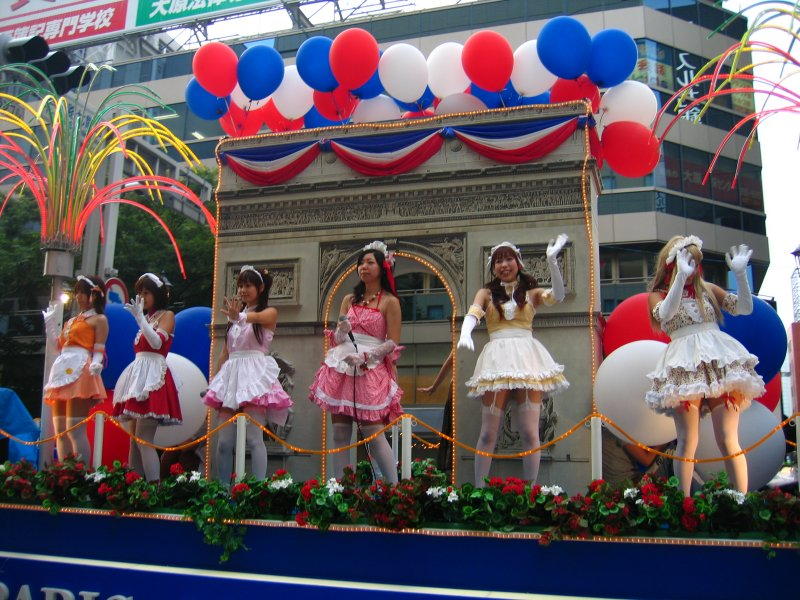 French maids on the Parisian float