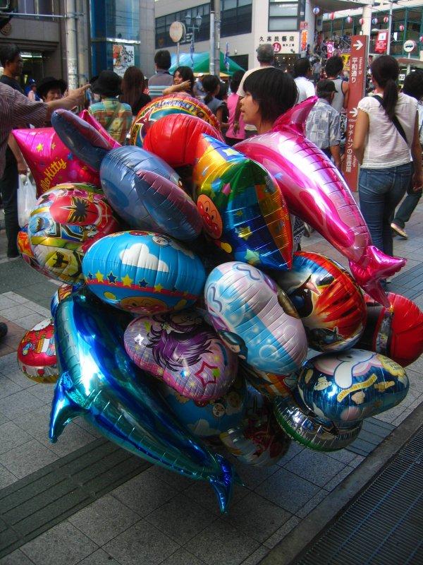 Selling festival balloons