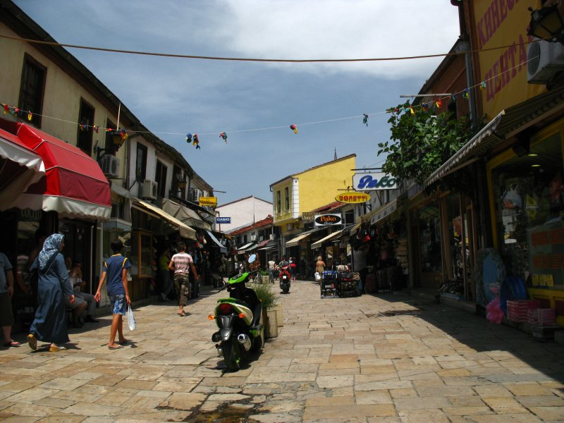 Entering the Čaršija bazaar