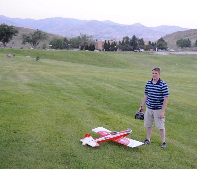 Local Aerobatic Radio-Controlled Plane and Flier _DSC6427.jpg