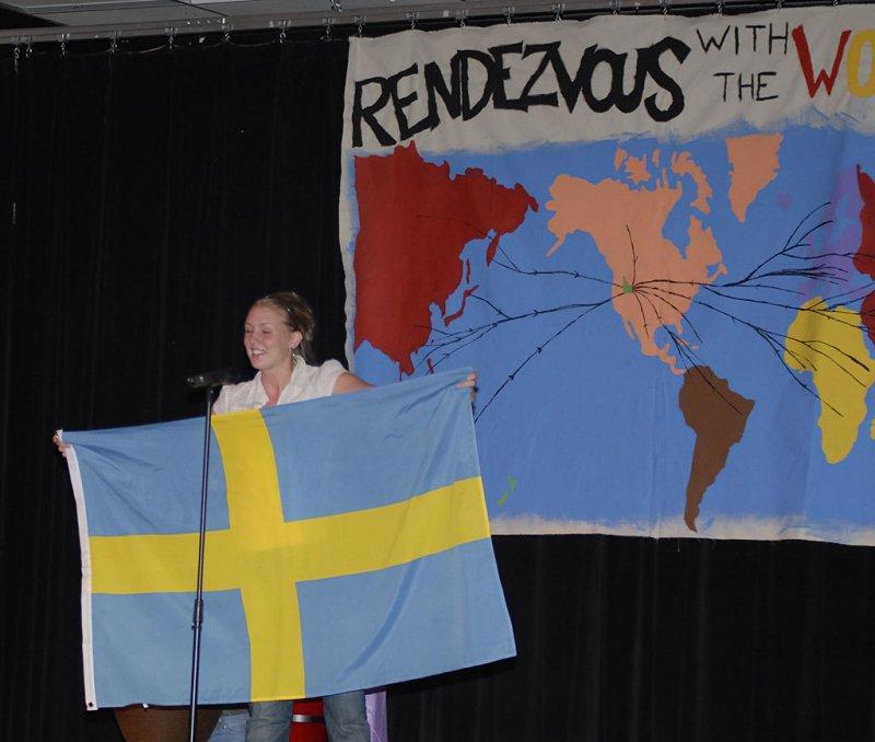 flag show at ISU International Night 2006 _DSC0254.jpg