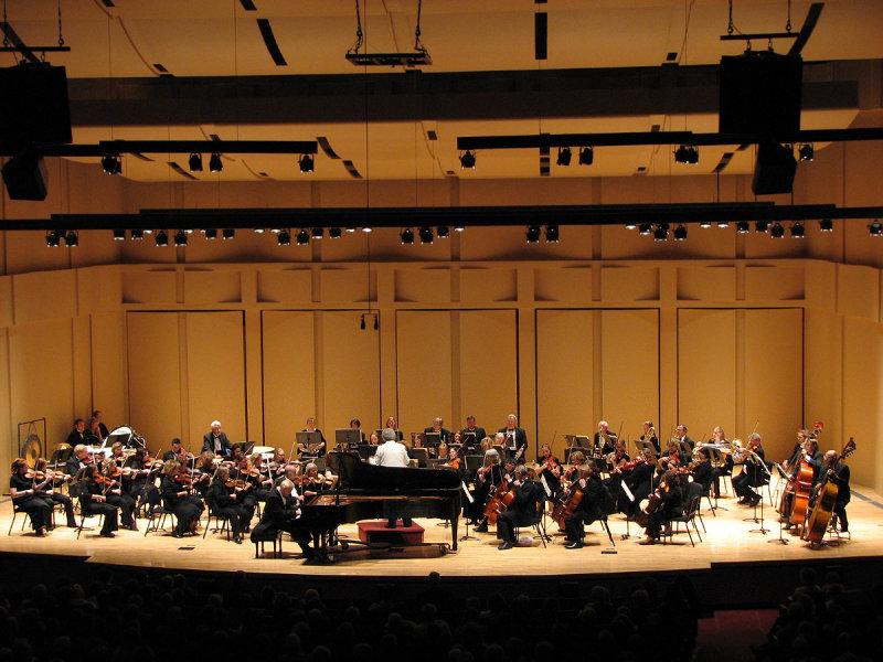 Mark Neiwirth with Civic Symphony smallfile IMG_1338.jpg