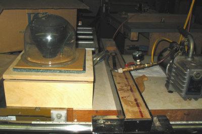 Vacuum Pump & Table