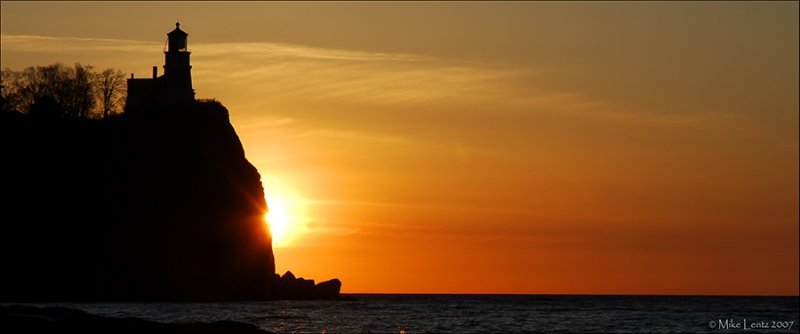 Split rock meets sunrise (pano)