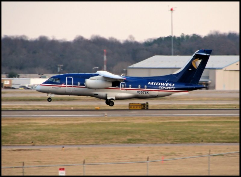 Midwest Connect Fairchild-Dornier 328 (N357SK)