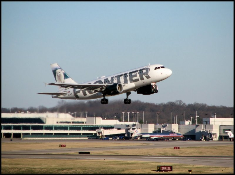 Frontier Airlines Airbus A319 (N938FR) Misty the Polar Fox