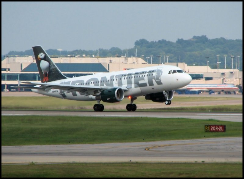 Frontier Airlines Airbus A319 (N946FR) The Puffin