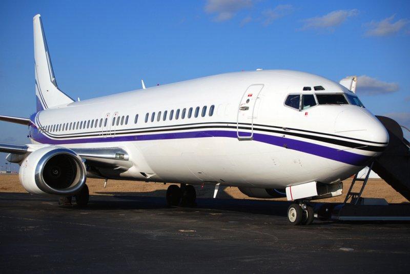 Swift Air Charter Boeing 737-4B7 (N801TJ)