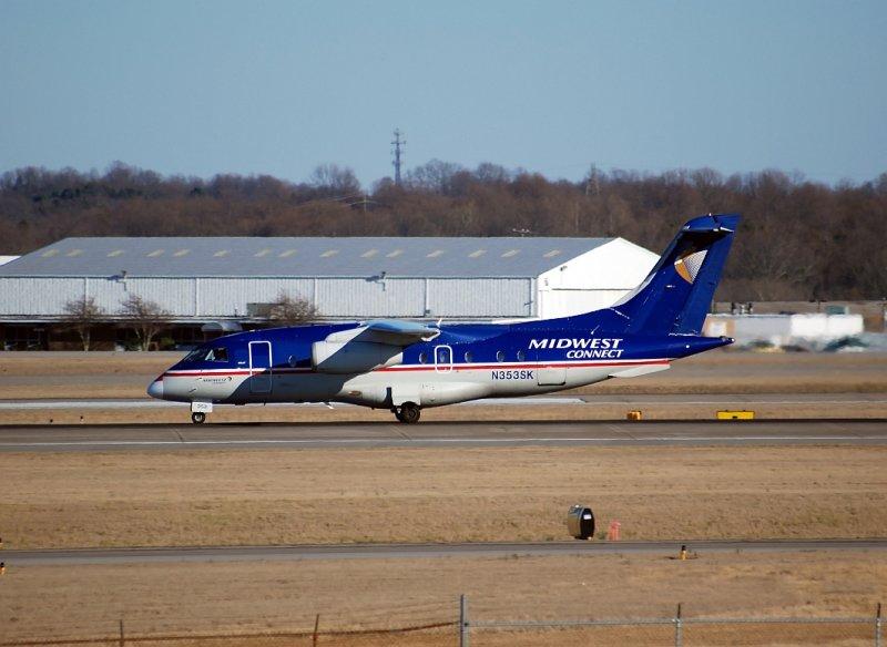 Midwest Connect Fairchild-Dornier 328 (N353SK)