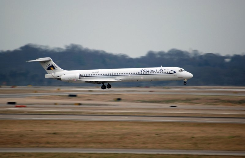 Allegiant Air MD-83 (N860GA)