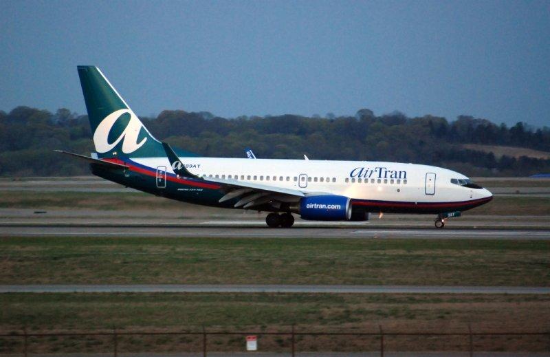 Airtran Airways Boeing 737-76N (N289AT)