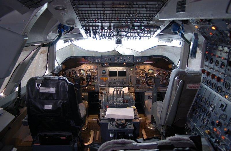 Evergreen International Airlines Boeing 747-212B(SF) (N486EV)  **Cockpit**