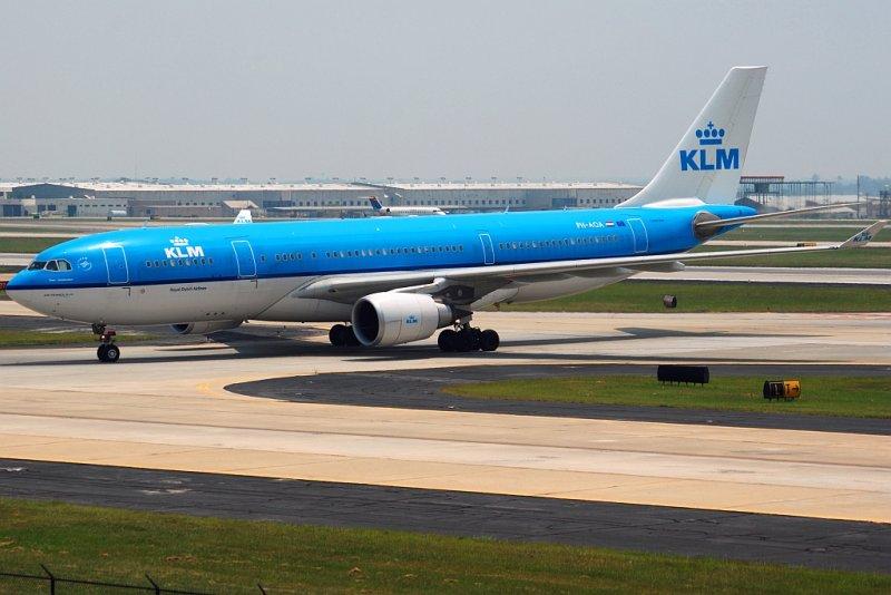 KLM - Royal Dutch Airlines Airbus A330-203 (PH-AOA)