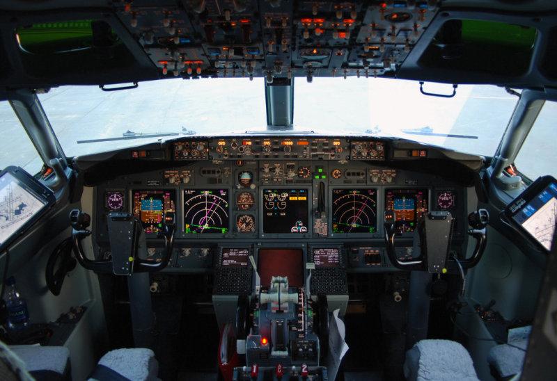 Miami Air International Boeing 737-8Q8 (N734MA) **Cockpit**