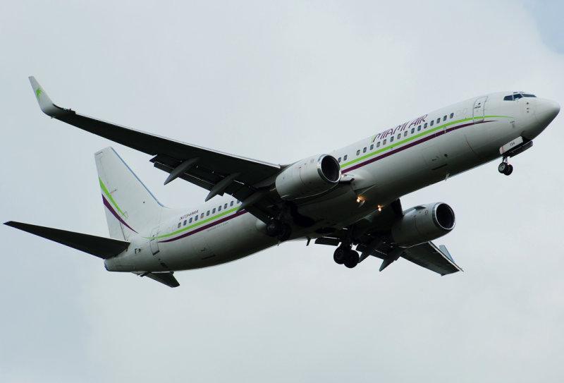 Miami Air International Boeing 737-8Q8 (N734MA)