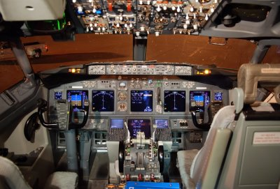 Delta Air Lines Boeing 737-800 (N3745B) **Cockpit**