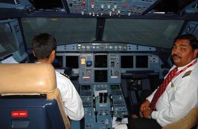 Kingfisher Airlines (UB Group) Airbus A319-133X CJ (VT-VJM)  **Cockpit**
