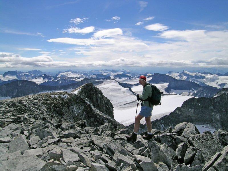 View SE from Galhopiggen summit