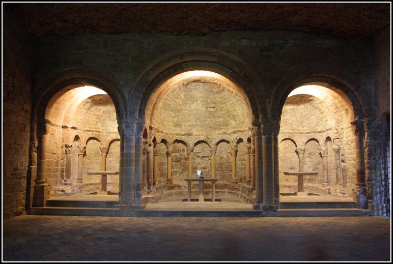 Altares en San Juan de la Peña