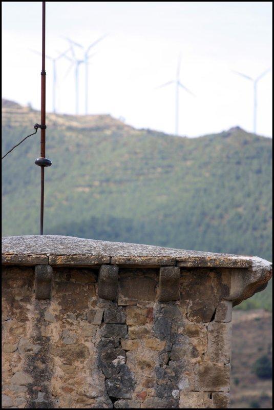 Torre y molinos en Sos