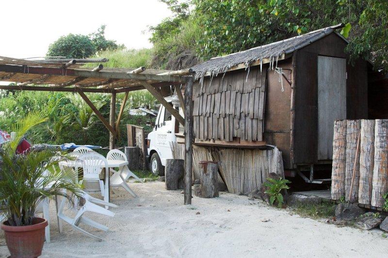 0427 Restaurant in a Van